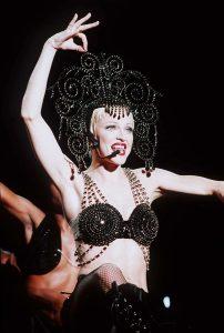 Мадонна в наряде Дольче Габбана The Girlie Show World Tour