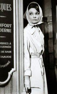 Одри Хепбёрн в тренче Burberry