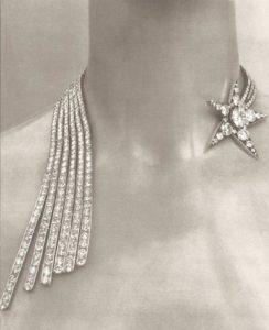 Ожерелье «Комета» от Chanel