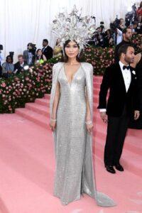 Gemma Chan в вечернем платье Tom Ford