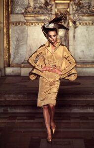 Первая коллекция Маккуина для Givenchy