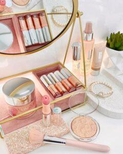 Косметика для макияжа Clinique