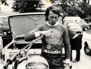 Роджер де Костер в экипировке Alpinestars