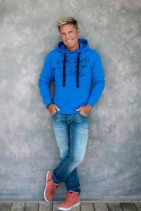 Дитер Болен в одежде Camp David