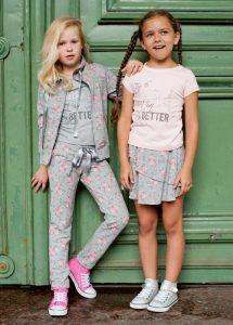 Одежда для девочек Crockid