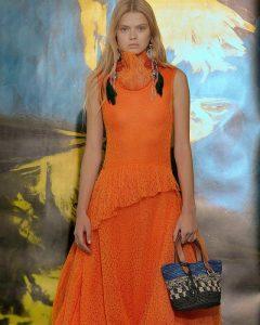 Модный женский образ JW Anderson
