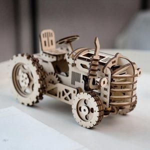 Деревянный механический трактор Robotime