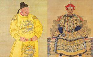 Древнекитайские чиновники в халате